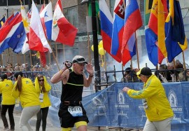marathon-boston-no shrapnel piercing the flags