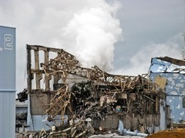 fukushima-daiichi-unit-3-after-explosion-march-20th-2011-1